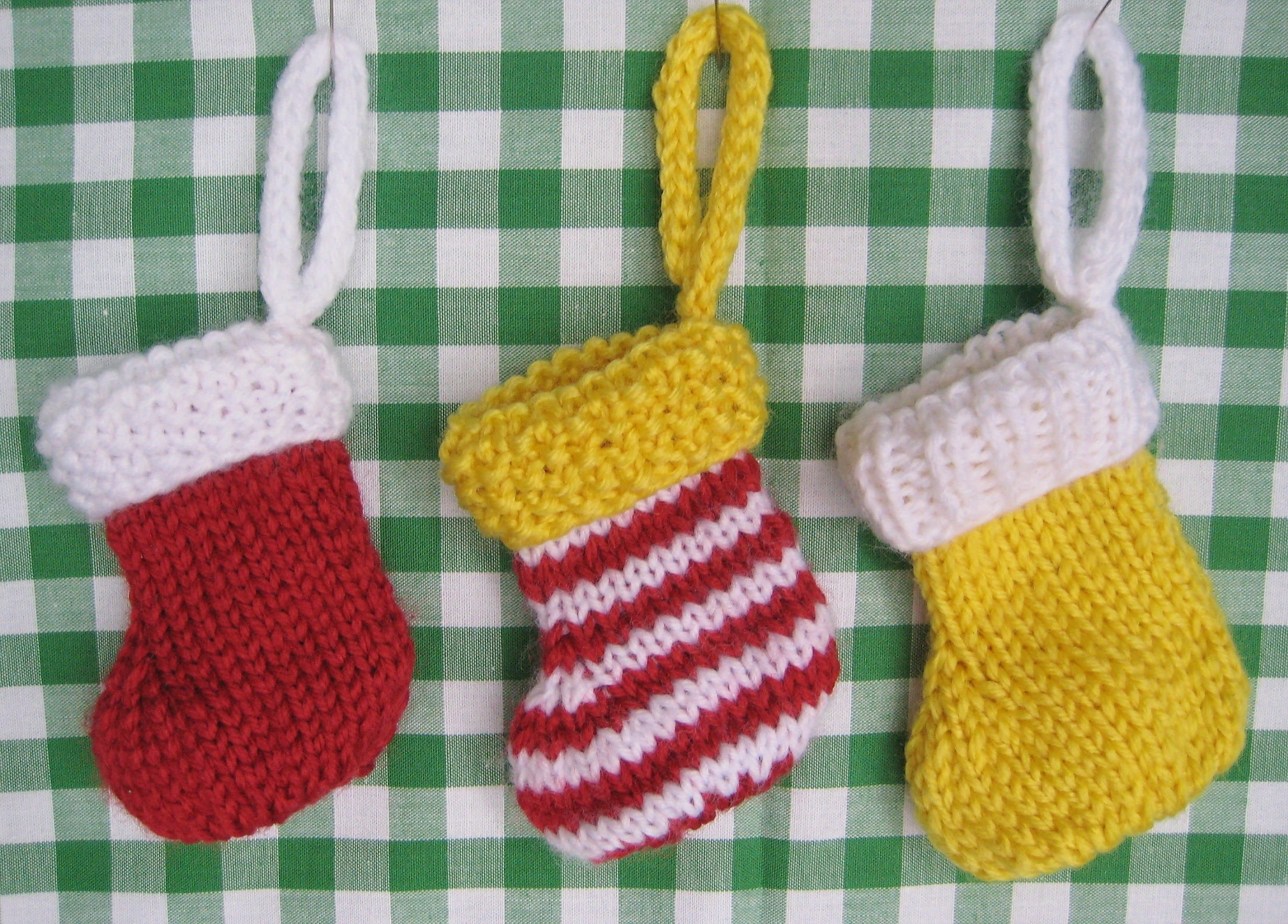Christmas Stocking Knit Pattern : KNIT STOCKINGS PATTERNS
