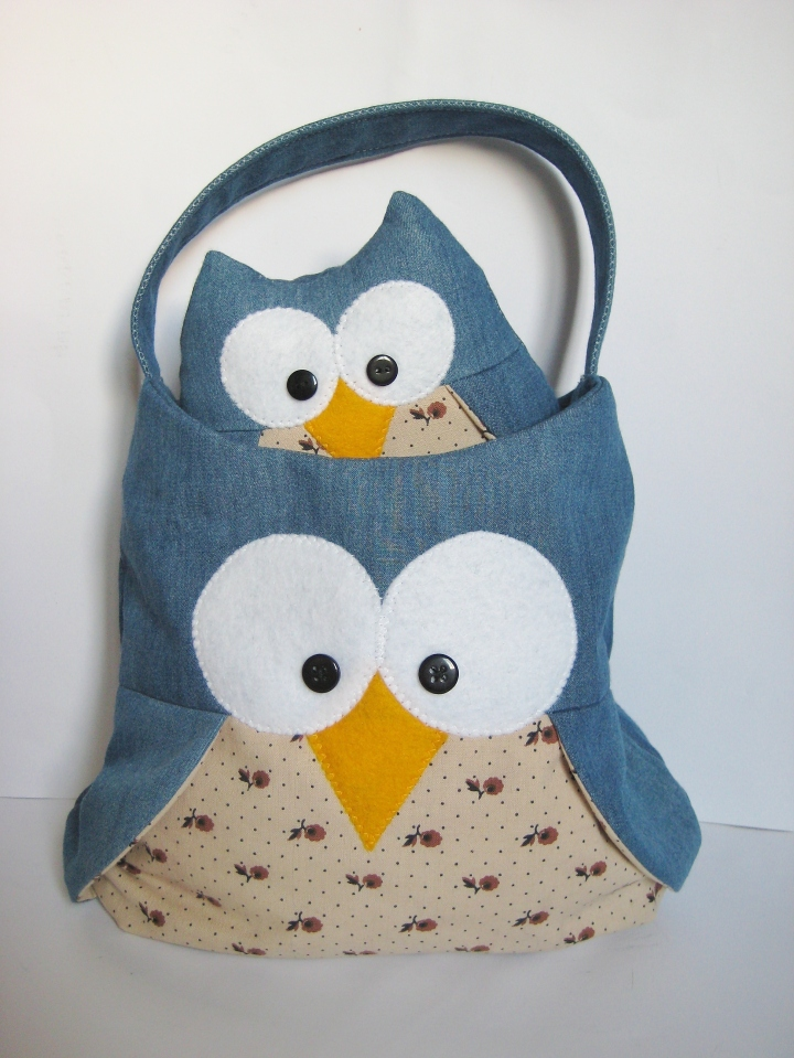 Barney owl toy and bag