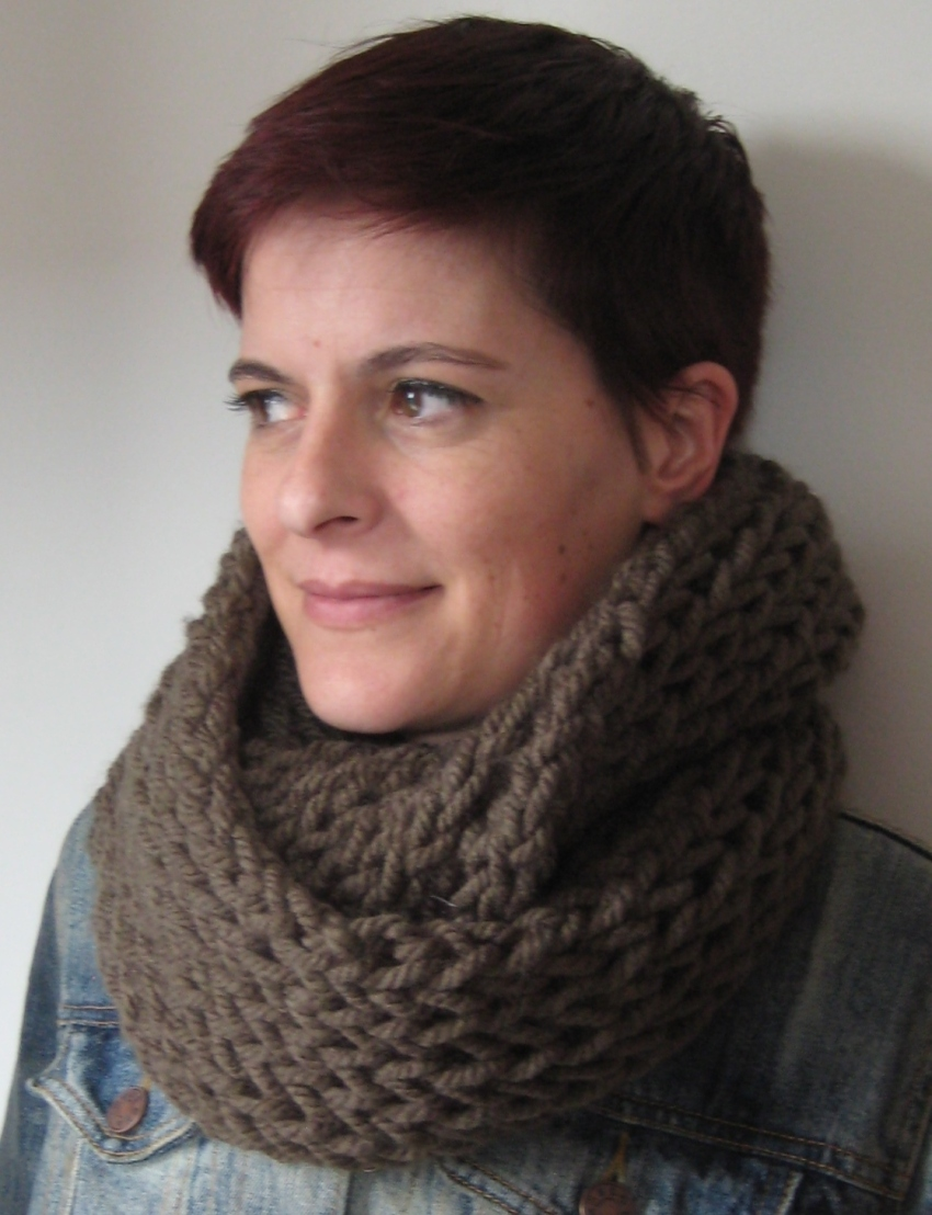 Cowl Knitting Pattern One Skein : free fluff and fuzz knitting patterns